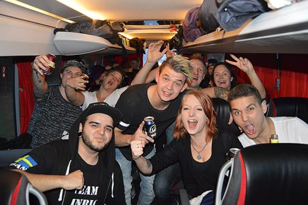 Defqon1-2016-Bussen